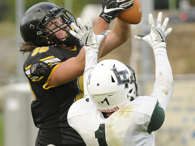 Kyle Zakala makes a leaping catch on a Marcus Athans pass in the fourth quarter against Lord Tweedsmuir (Photo Credit: Lorne White/KelownaNow )